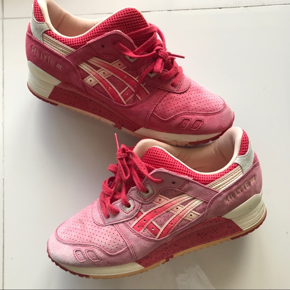 9a51cb924a3c Asics Other - ASICS gel lyte III Strawberries and cream